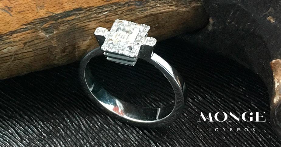 anillo de diamante monge joyeros