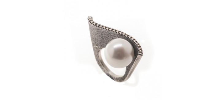 novedad de anillo con perla australiana